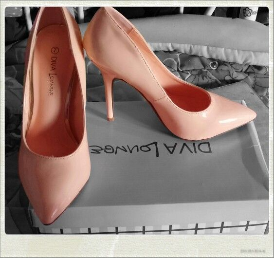 Fab heels, spring and summer color. #PinkPointToe love the pointed toe. Very cute!