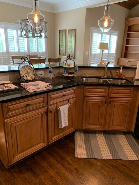 Painting Kitchen Cabinets in 2020 | Painting kitchen ...