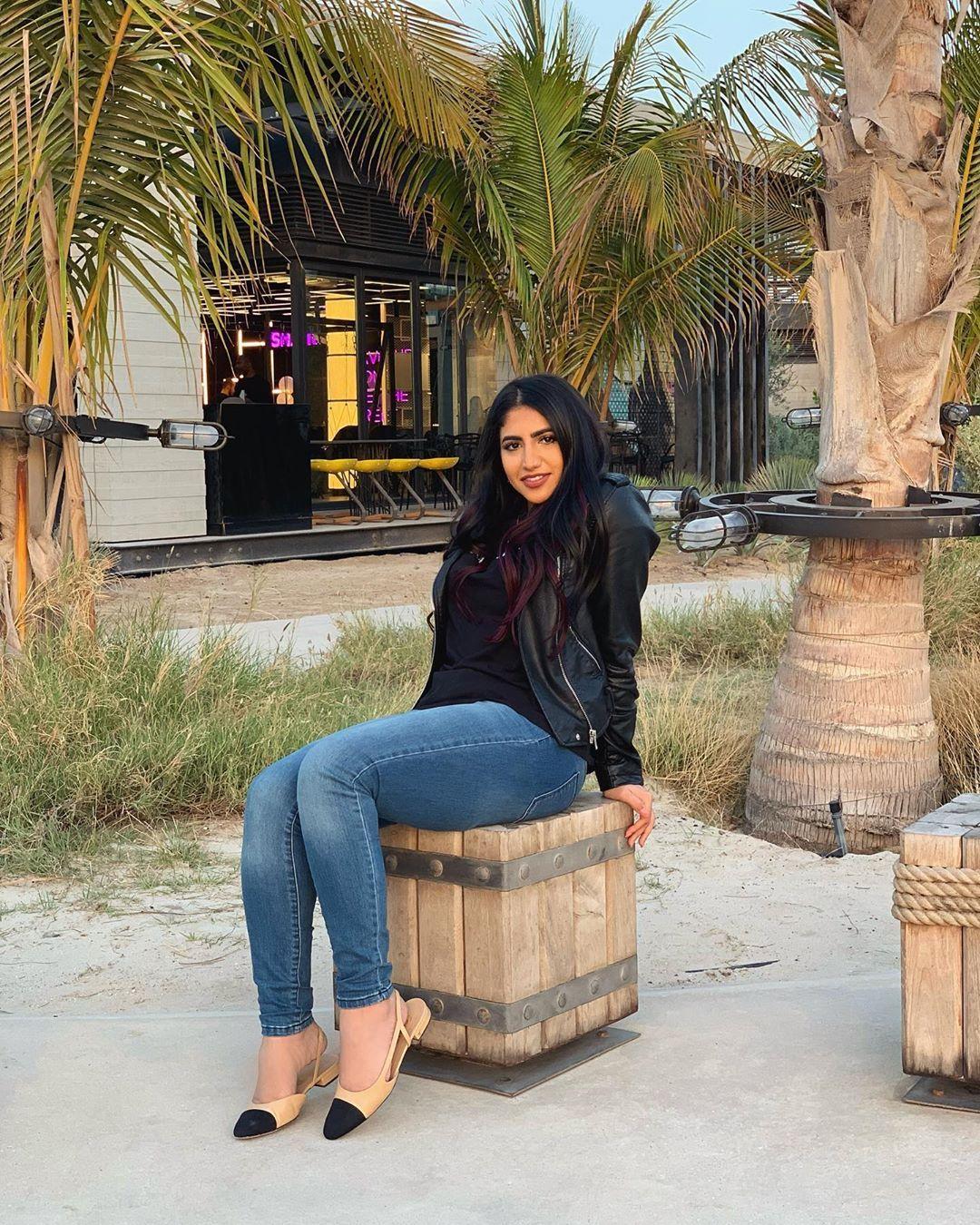 نور ستارز Noor Stars S Instagram Photo Last April شكو ماكو اخباركم Photo Parody Videos Mom Jeans