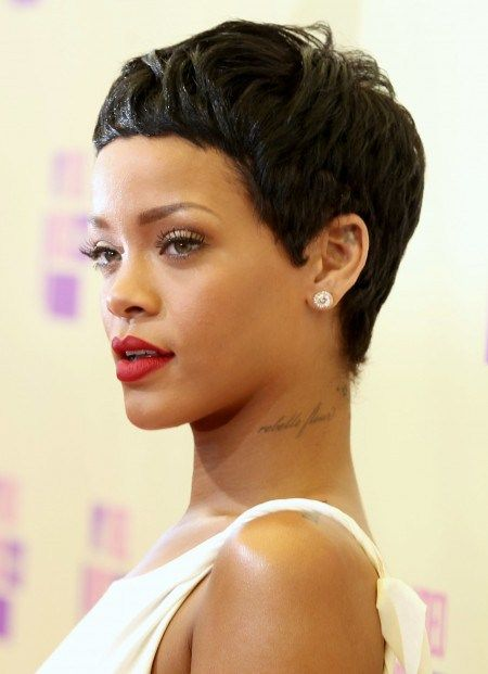 Short Pixie Hairstyle Pixie Haircut Rihanna Hair Color Rihanna Hairstyles
