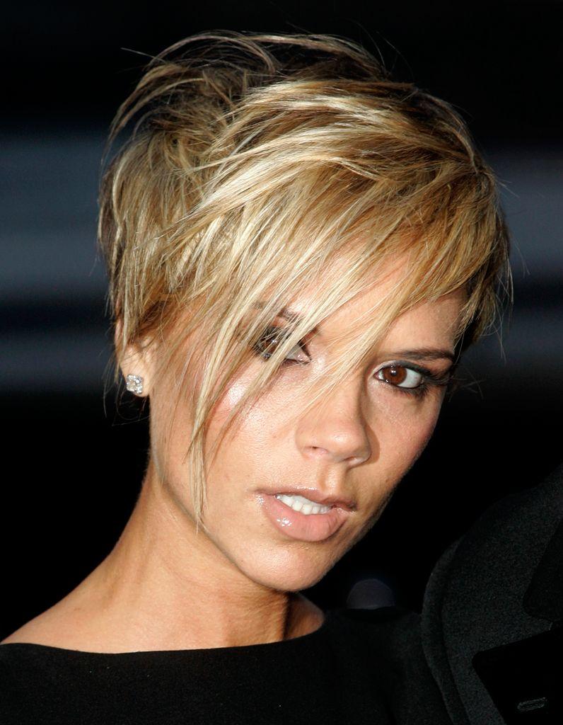 Victoria Beckham teinte en blonde Cheveux courts, Coupe