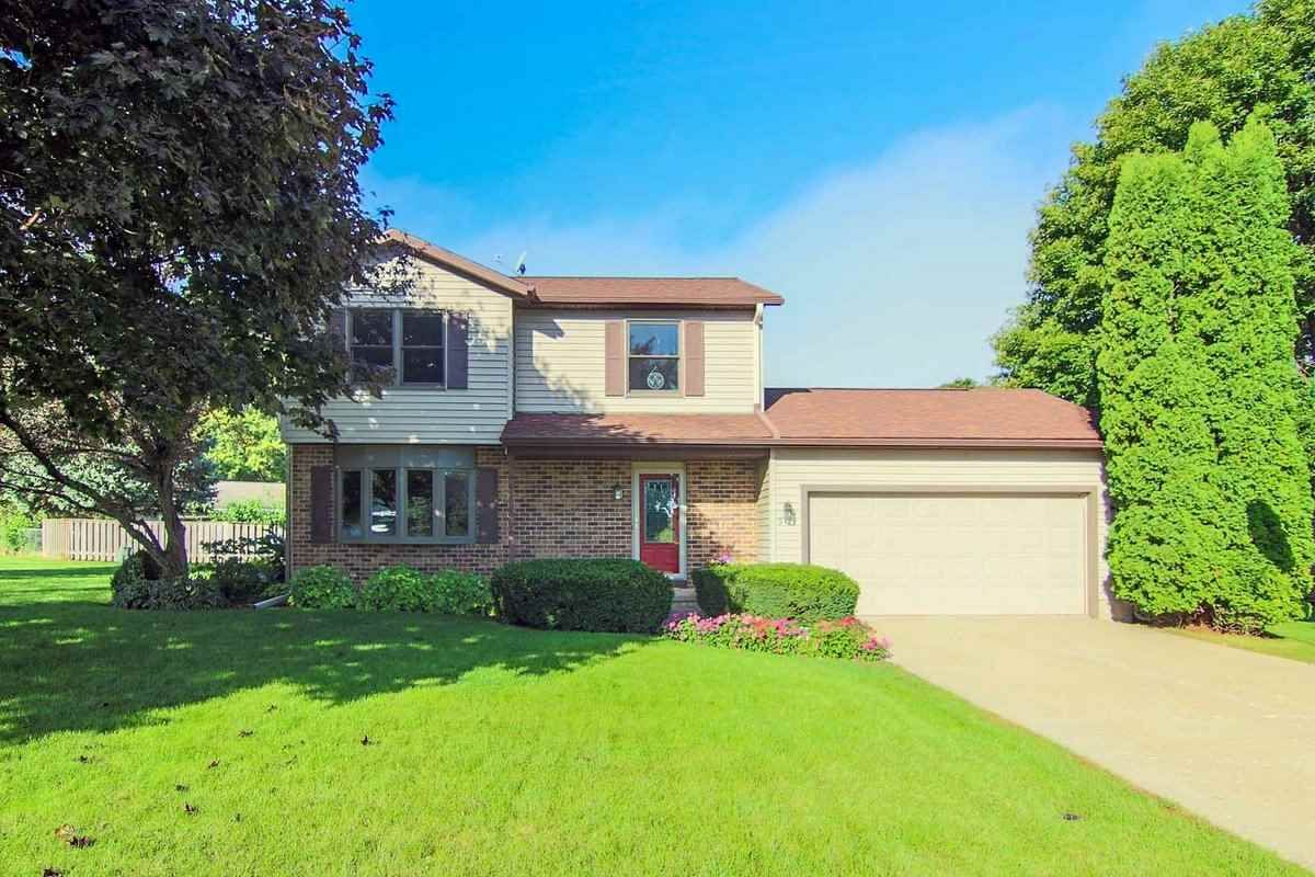 909 Liberty Dr  De Forest , WI  53532  - $249,900  #WindsorWI #WindsorWIRealEstate Click for more pics