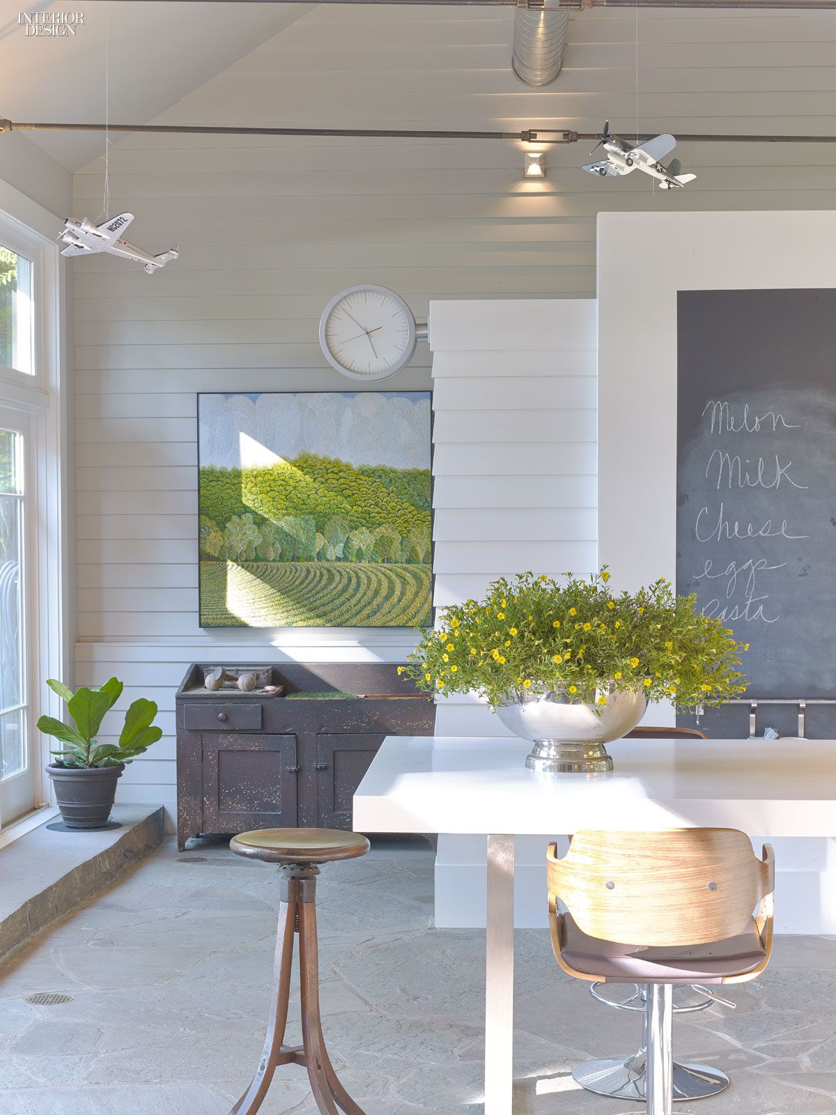 Inside laura bohn   weekend retreat in pennsylvania design interiordesign interiordesignmagazine projects also country homes rh pinterest