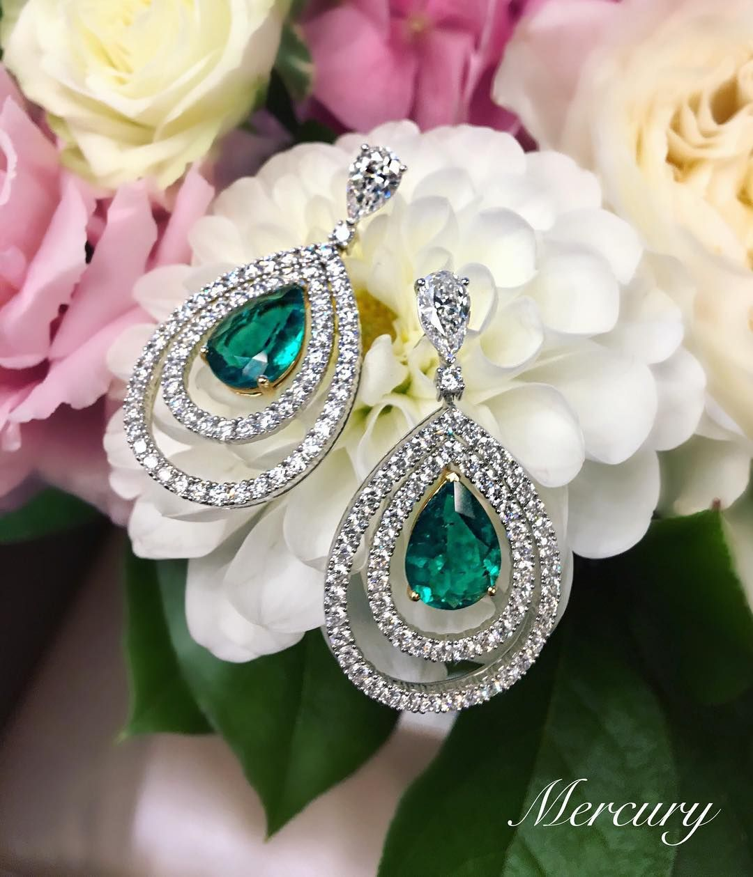 8,267 отметок «Нравится», 61 комментариев — Graff Diamonds (@graffdiamonds) в Instagram: «The pursuit of beauty:  Few things in this world are more magical and more ethereal than a falling…»