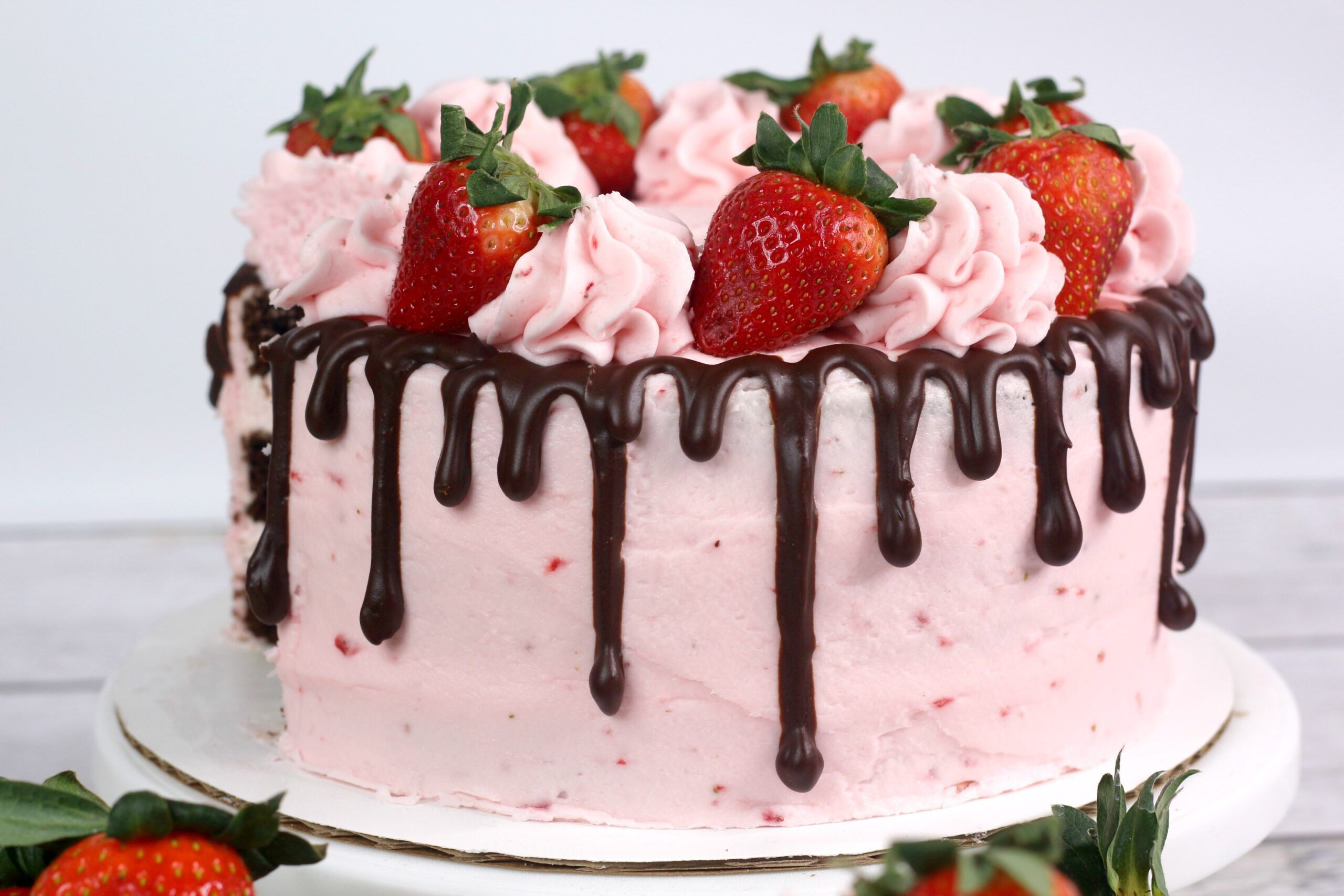 Admirable Chocolate Kahlua Cake With Strawberry Buttercream Frosting Funny Birthday Cards Online Overcheapnameinfo
