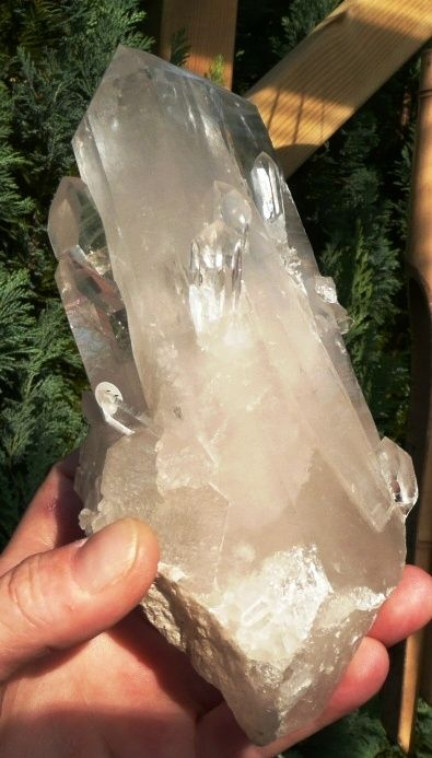 Natuurlijke cluster van Bergkristal 850 gr. (onbewerkt)