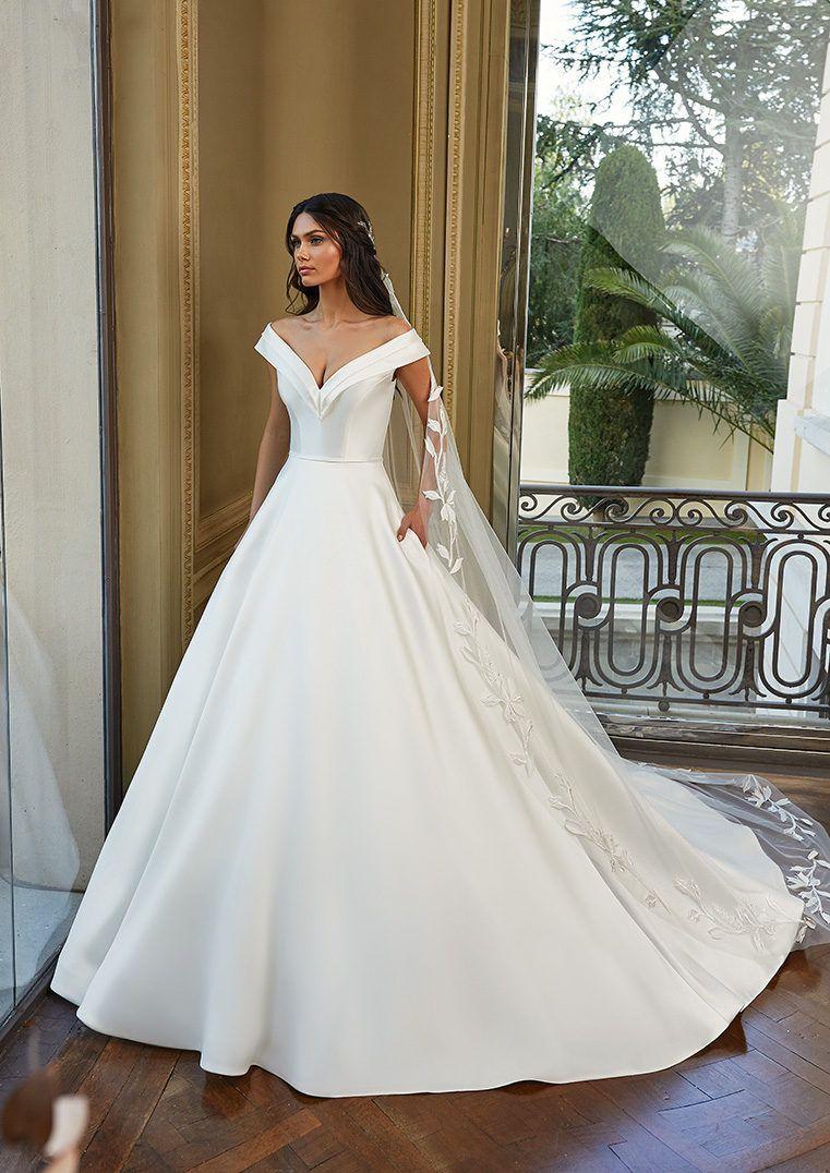 Princess Wedding Dress With Wraparound Neckline And Drop Sleeves In Mikado Joyce Stylish Wedding Dresses Top Wedding Dresses Wedding Dress Couture [ 1076 x 761 Pixel ]
