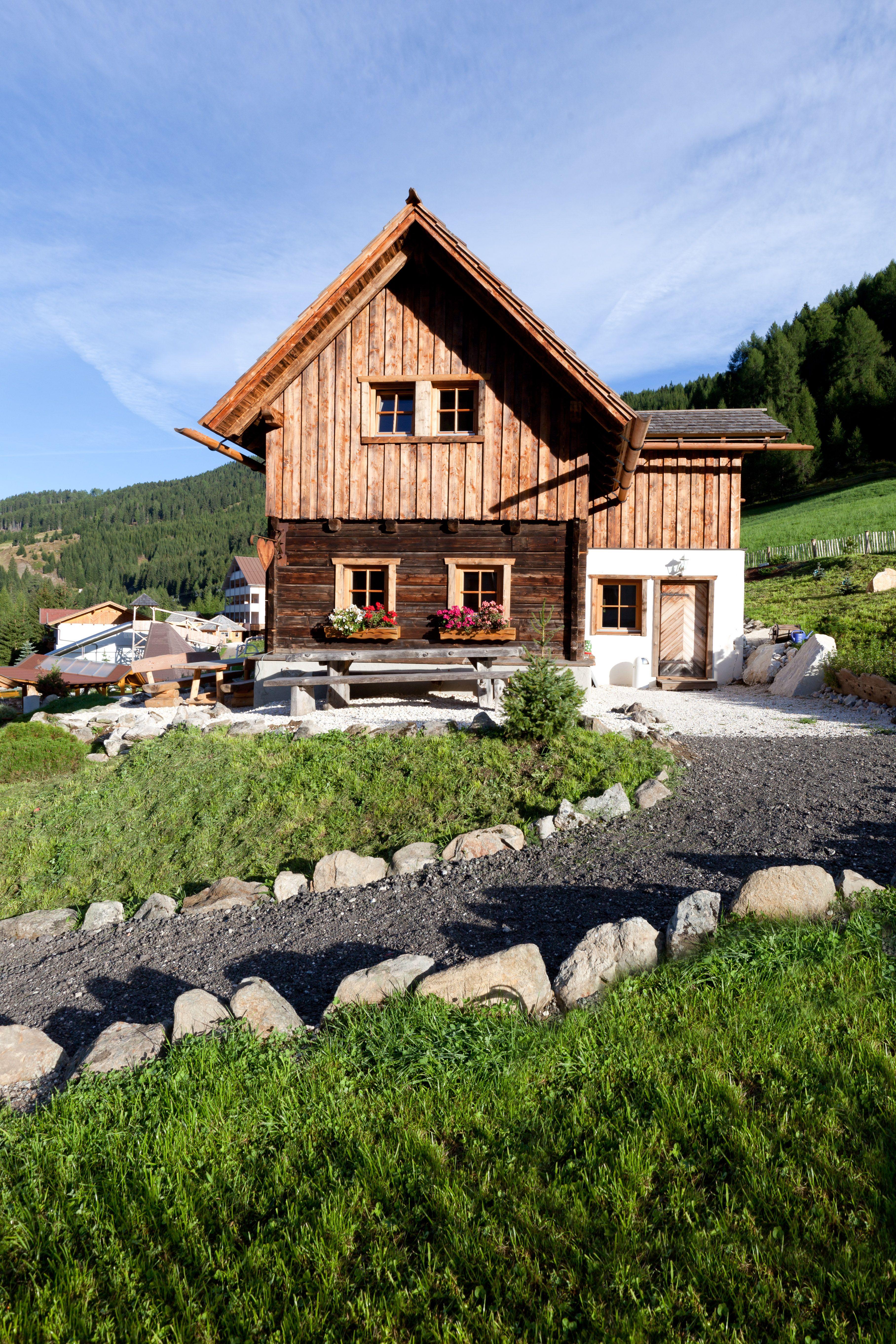 Sporthotel Strass, Mayrhofen, Austria   Ski Line