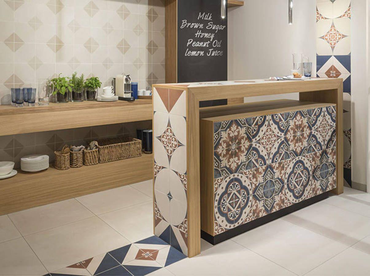 Le carrelage en cuisine | Carrelage intérieur, Décor moderne et Poser du carrelage