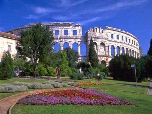 #Croatiandestination Pula, Istria #Pula is the largest city in #Istria, #Croatia located in the south of the Istrian peninsula, and most of all known for its historic buildings that are significant today as they was significant long time ago.  Visit http://www.croatia-accommodation.info/ and #bookaccommodationinPula on time!