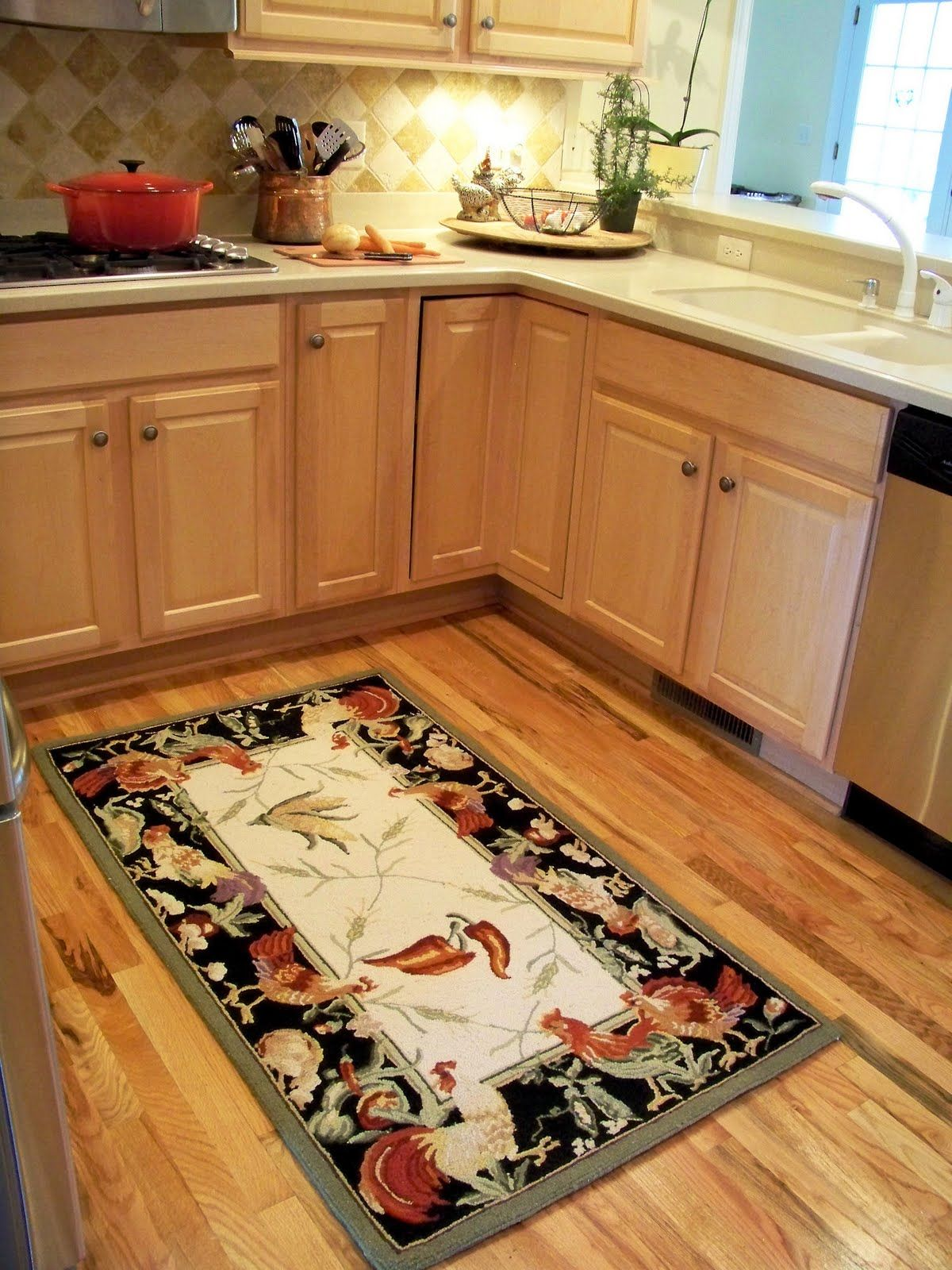 Kitchen Rugs Hardwood Floors   This Means That The Type Of Flooring In This  Room Have To Be Resilient Enough To Withstand The Heavy Foot Traffic.