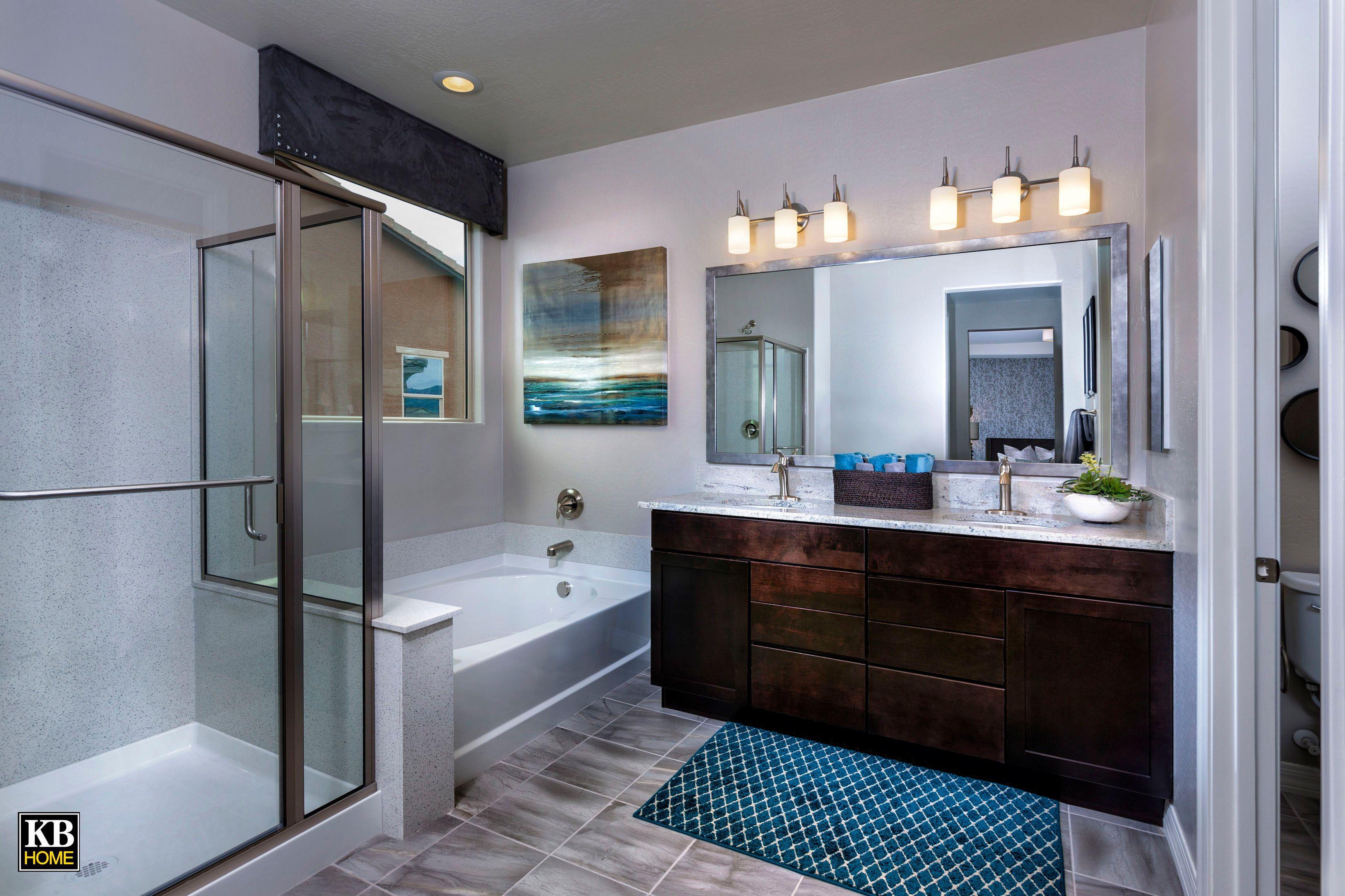 Trailside Point Model Master Bathroom Plan 1874 Kbhome Arizona Interiordesign Currentdesignsituation Modernd Bathroom Model Kb Homes New Homes For Sale