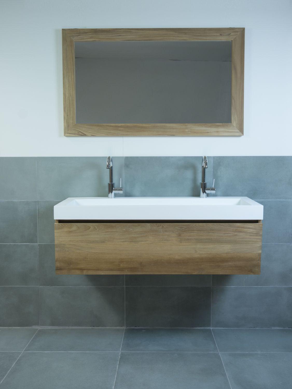Houten badmeubel badkamer pinterest badkamer for Badkamermeubels hout