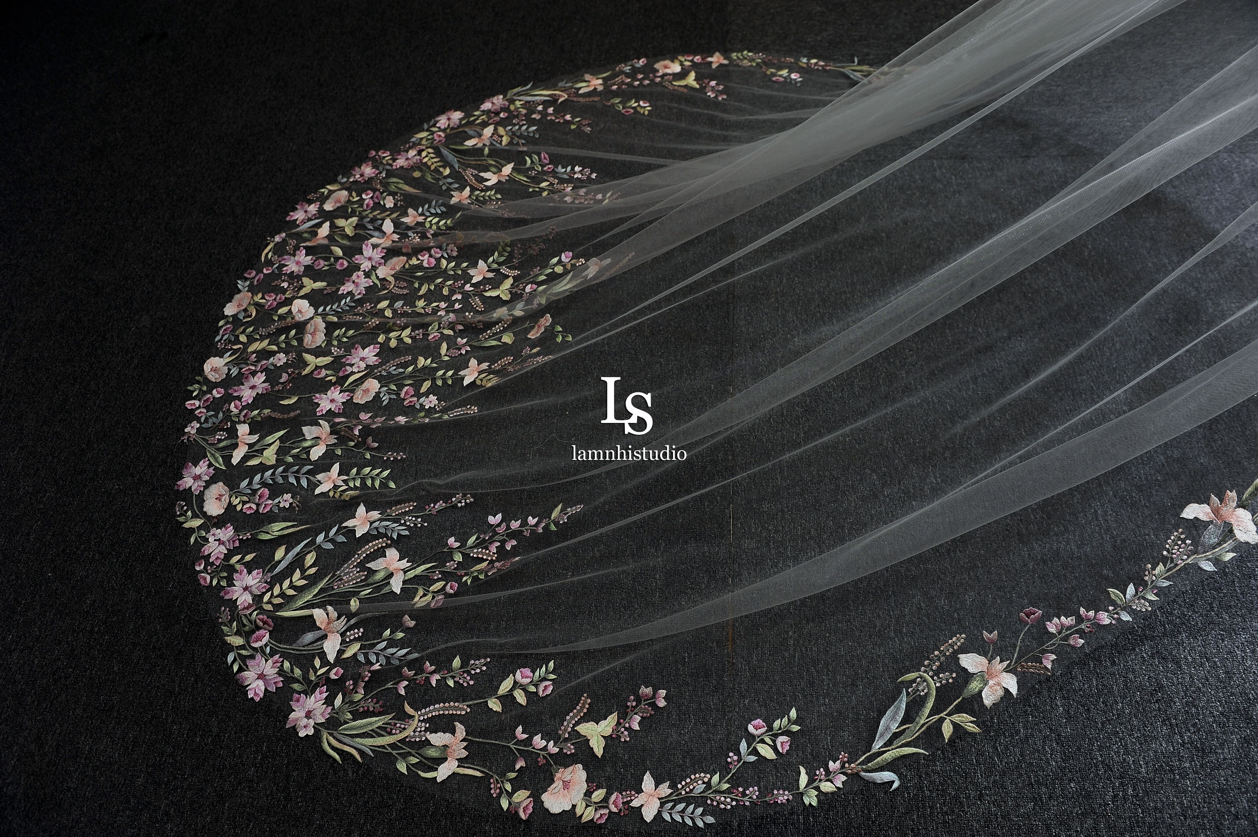 LS92/ Flower leaf lace veil/ 1 tier veil/ cathedral Etsy