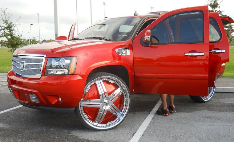 White Escalade Ext Kmc Wheels