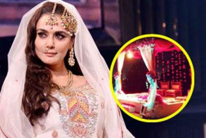 Aww! Preity Zinta Shows Off Her Chuda After Marriage