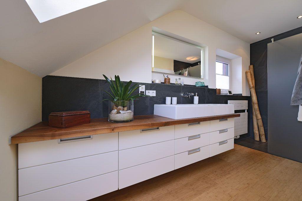 Badezimmer Mit Holz Naturstein Fliesen Und Weiss Lackiert Badezimmerideenfliesenholzoptik Ba Modern Kitchen White Kitchen Design College Room Decor