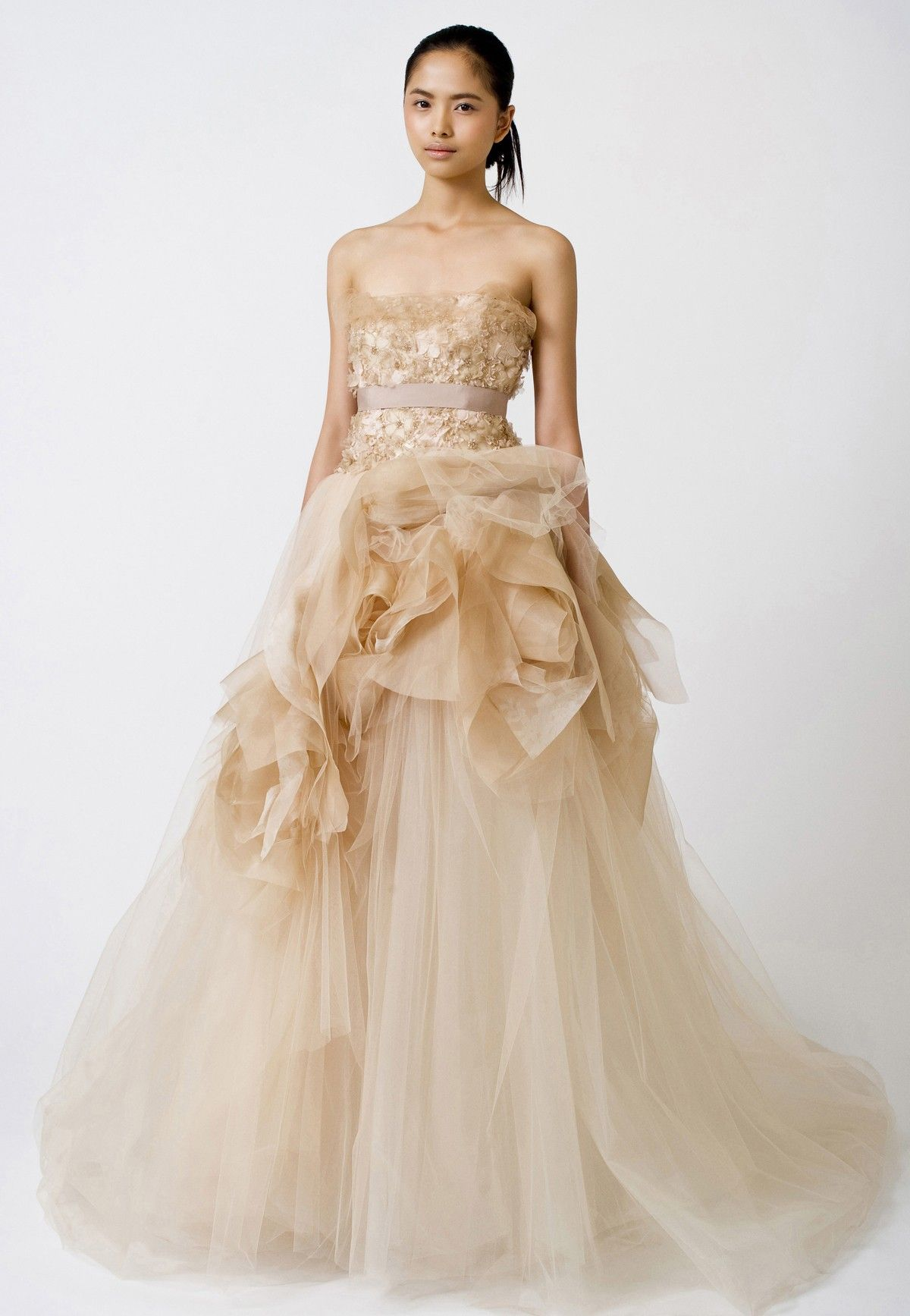 Vera wang ball gown wedding dress  Pin by Ramona Gilia on Wedding  Pinterest  Ball gowns