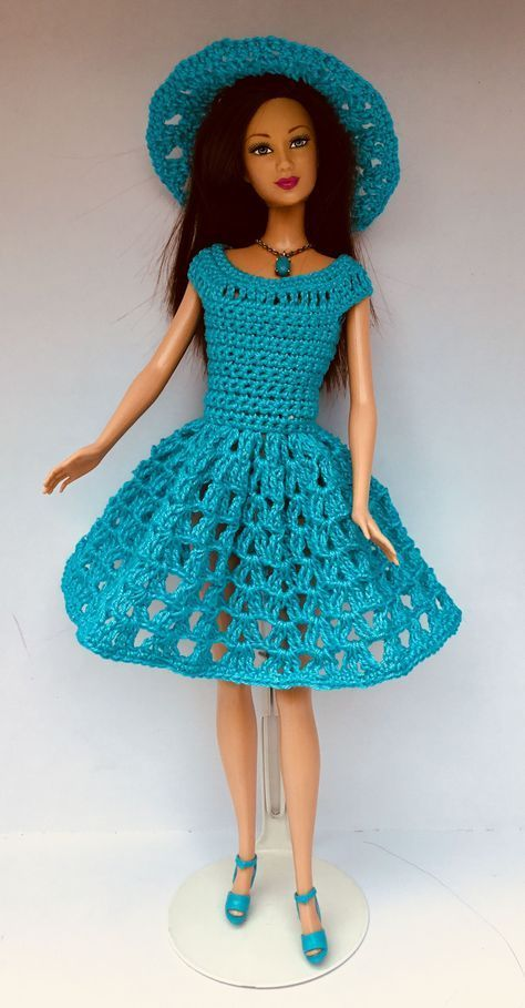 How to Crochet a Little Black Crochet Dress #dolldresspatterns