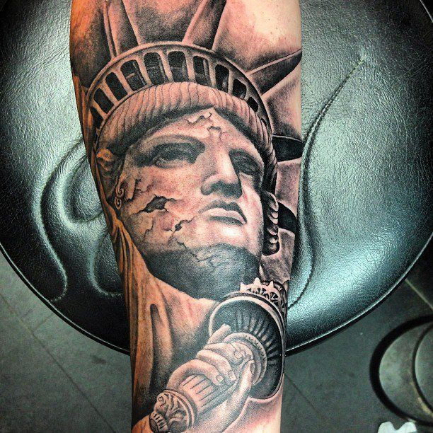 Statue of liberty by amir marziparo dr ink tattoos for Statue of liberty tattoo
