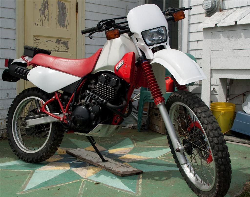 1986 Yamaha XT 350 bored out to a 400 with a big bore kit. Cafe