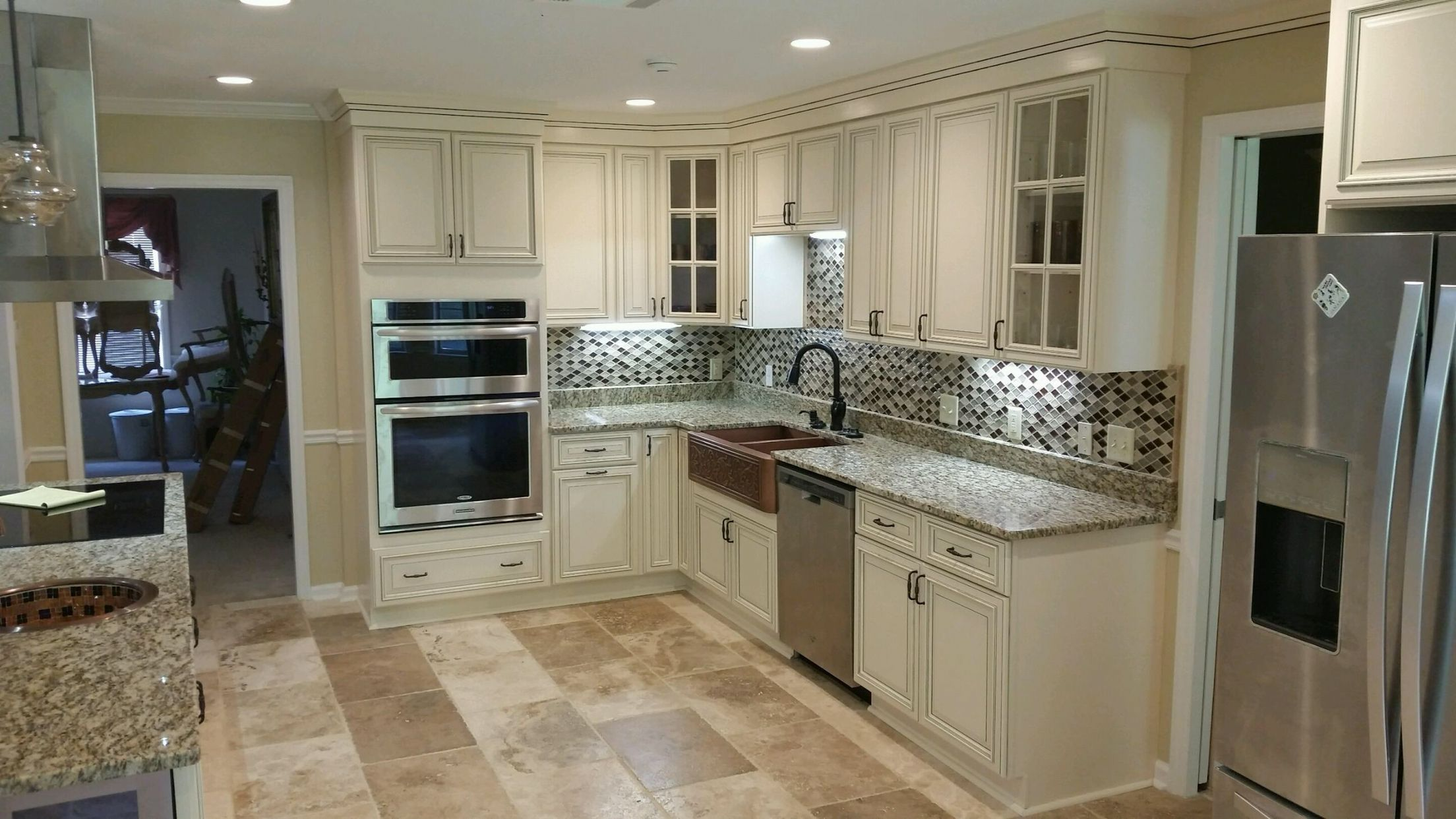 Signature Pearl Kitchen Cabinets And Santa Cecelia Granite Blend For A Spectacular Kitchen Nugre Kitchen Cabinets Kitchen Remodel Affordable Kitchen Cabinets