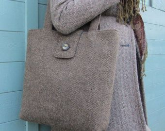 Shoulder bag in handwoven Shetland herringbone tweed wool
