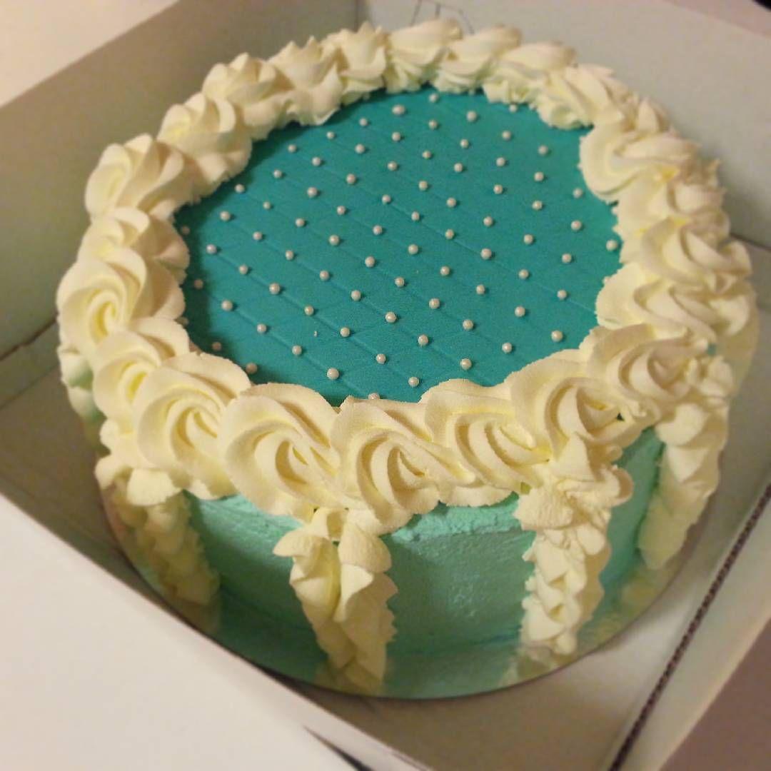 #cake #christeningcake #kakku #kastekakku #ristiäiset #strawberry #vanilla #creamcake #babyboy #kastejuhla #hannankakut #jyväskylä