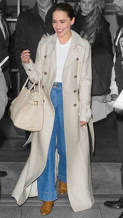 Emilia Clarke in New York City, New York on Monday 28/10/19 #VeronicaTasmania #emiliaclarke