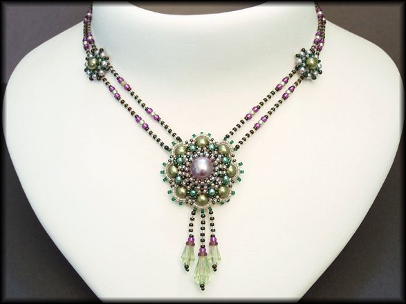 Kronleuchterjuwelen Glasperlenschmuck - gruen-lila Medaillonkette ...