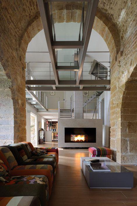 Architecte Lyon : renovation chapelle, pierre doré