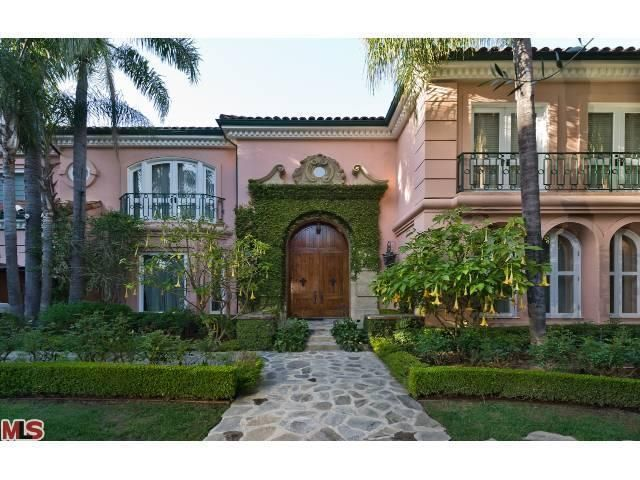 Christina Aguilera's $13,500,000 Beverly Hills Mansion that is for sale.