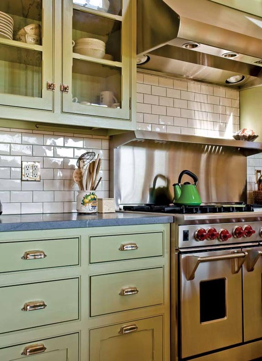 An Eco Friendly Farmhouse Eco Friendly Kitchen Cabinets Kitchen Tiles Design Trendy Farmhouse Kitchen