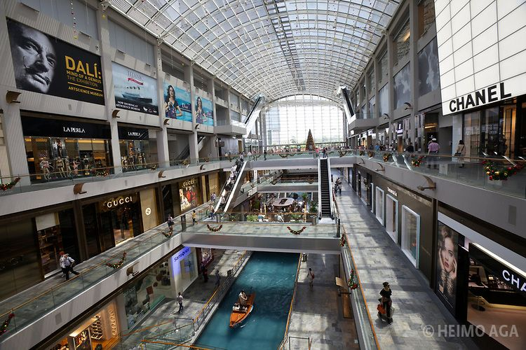 A Mall In Singapore Near Marina Bay Sands Which Has A River Inside Retail Architecture Shoping Mall Singapore