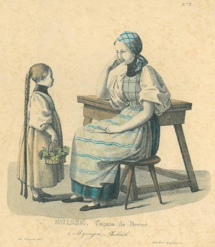 """1825 MEIRINGEN. - Tracht. - """"Suisse. Canton de Berne á Meyringen, Oberhasli"""". Mutter und Tochter in Tracht, die Mutter mit Kopftuch auf einem Schemel am Tisch sitzend, vor ihr stehend das Mädchen mit langem, bebänderten Zopf und einem Blumenko...."""