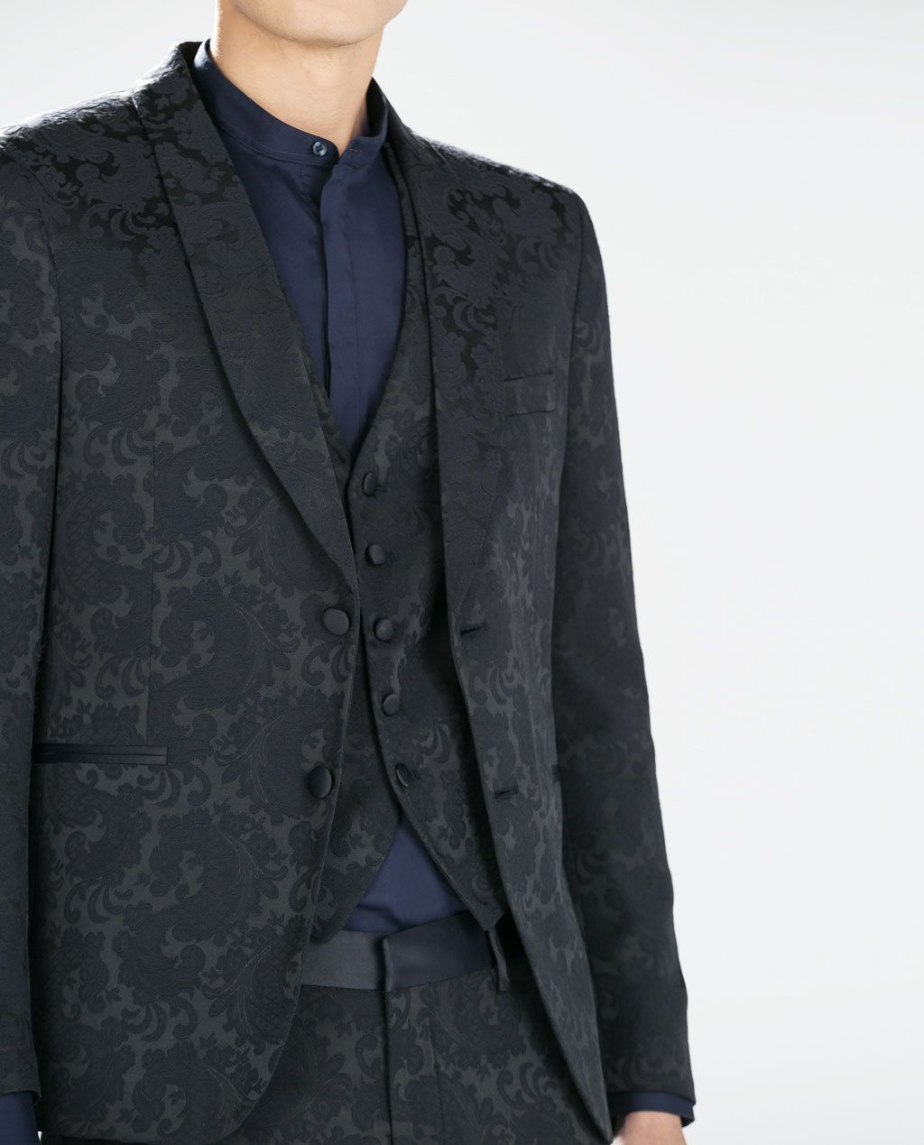 ZARA - MAN - BLUE JACQUARD BLAZER I love the material and the tone on tone pattern on this - would LOVE to have it in a women's cut.