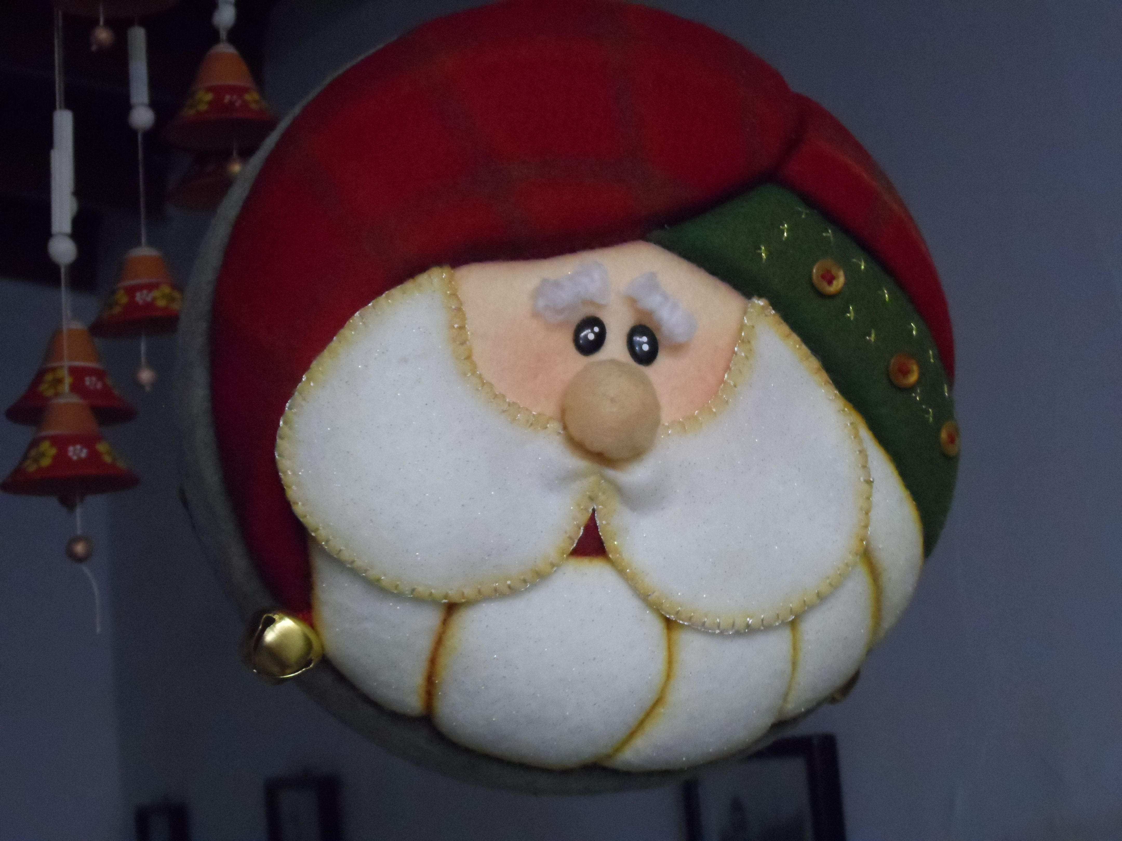 Mogolla navide a patchwork sin aguja pinterest - Bolas de navidad de fieltro ...
