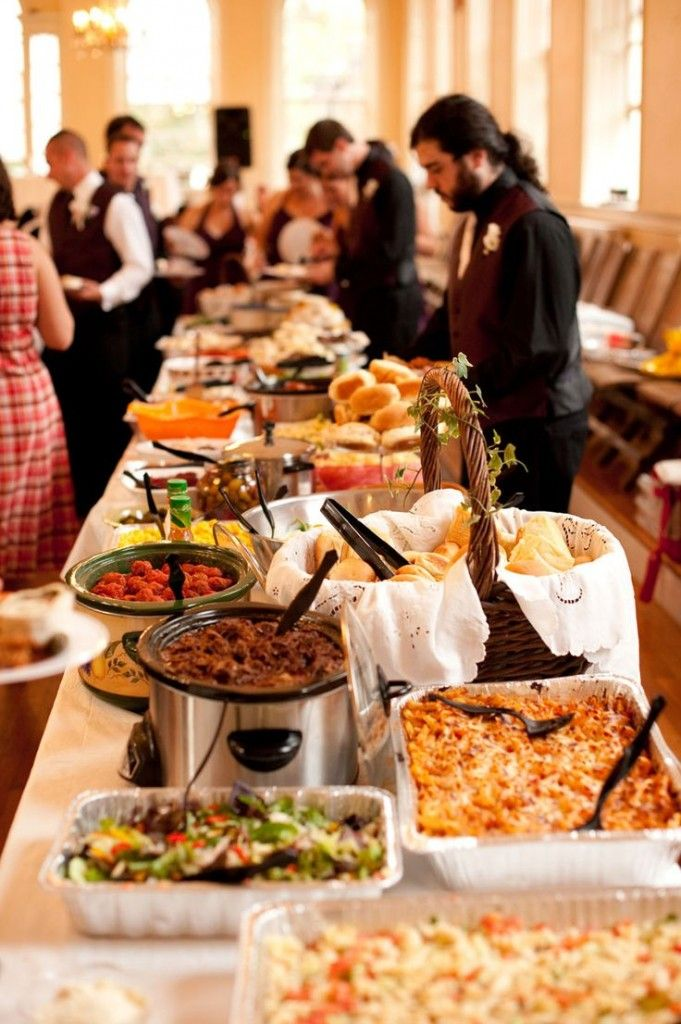 5 less expensive alternatives to a sit down meal for your for Best food for wedding reception