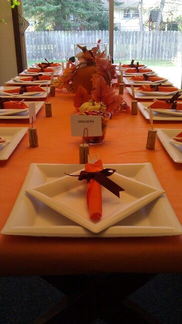 Thanksgiving table setting. Made paper plates and plastic silverware look fancy. & Thanksgiving table setting. Made paper plates and plastic silverware ...