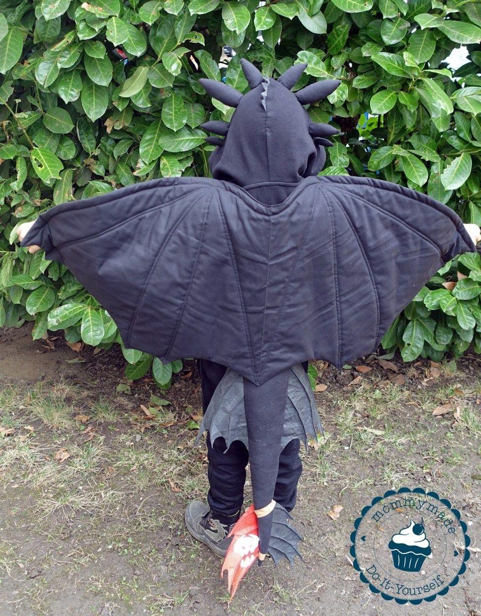 toothless costume  ohnezahnkostüm  mommymade  ohnezahn