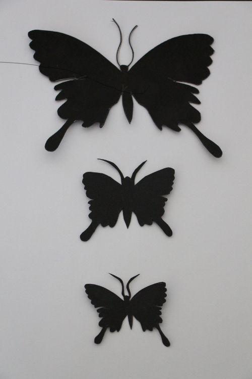 2. Ihr Benötigt Eine Schmetterlingsschablone In Unterschiedlichen Größen.  Ich Habe Drei Größen Gewählt Und