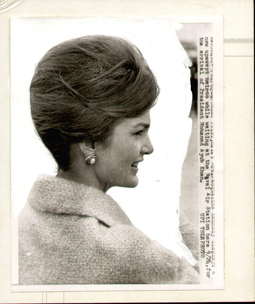 Jackie Kennedy hairstyle archives. www.pinkpillbox.com  Jackie