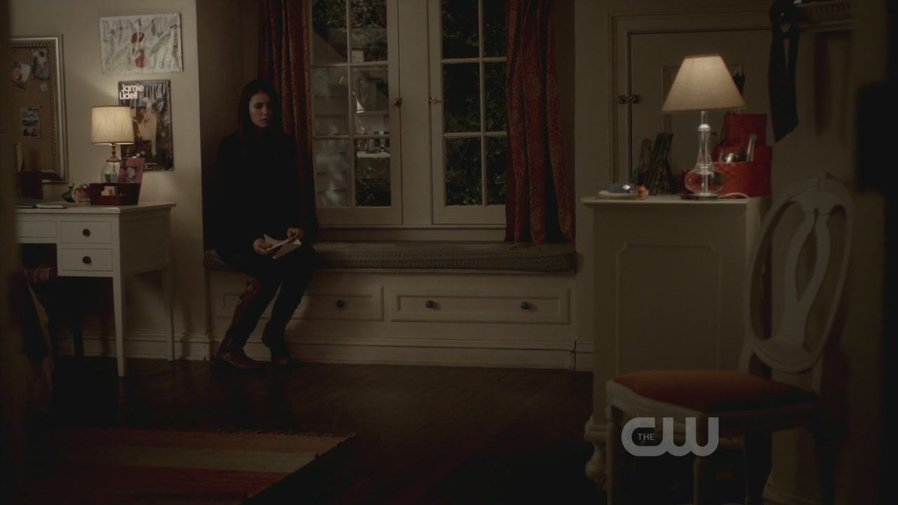Elena Gilbert Room Decor