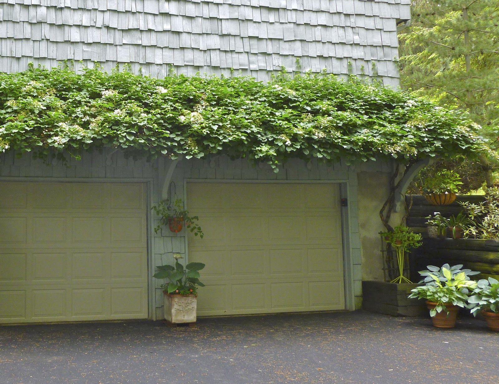 Trellis over garage door - Garage Pergola
