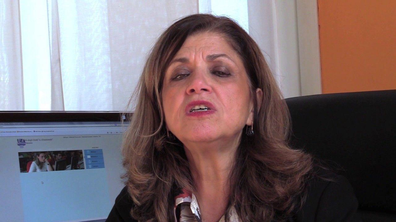 La Prof.ssa Fausta Guarriello presenta il Dipartimento di Scienze Giuriche e Sociali Ud'A