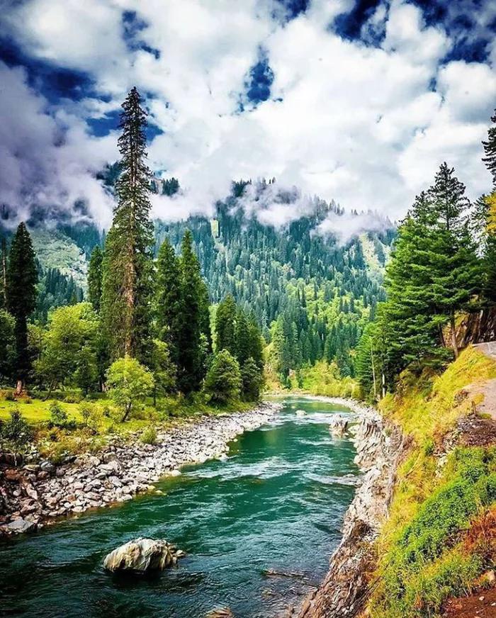 Neelum Valley Pakistan In 2020 Pictures Of Beautiful Places Pakistan Pictures Pakistan Tourism
