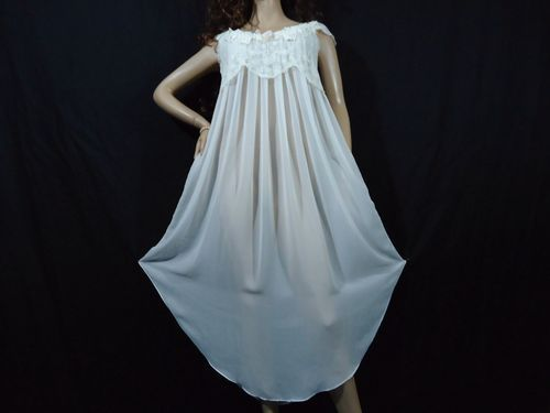 ending soon on ebay 49.99 SHEER BRIDAL VTG CHIFFON NIGHTGOWN S M 40 BUST PEARLS BEADS DIANE SAMANDI