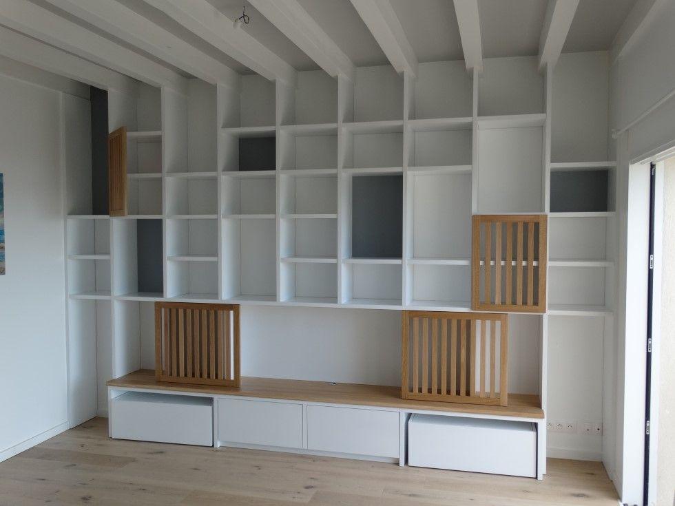 fabrication d'une bibliothèque en médium de 30 mm laqué, portes et