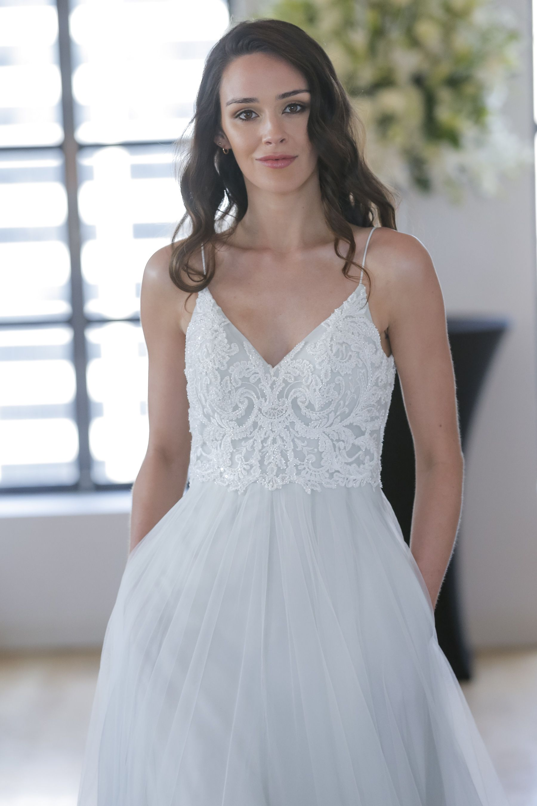 STAR Kelly Faetanini Fall 2018 wedding dress   Pearlescent ...