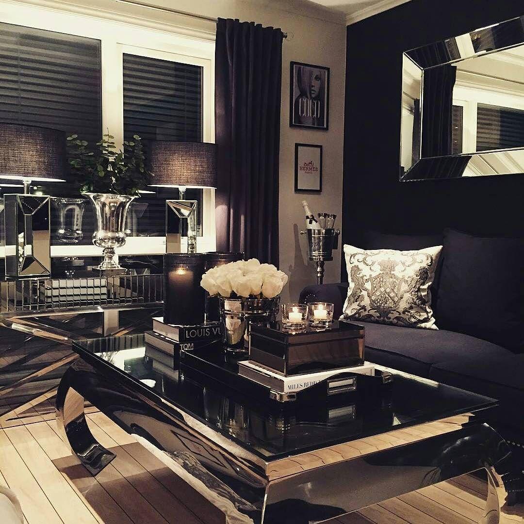 """Rålekkert hos vår kjære kunde @28_cvl  """"Vienna delux"""" Salongbord og pokalvase fra @classicliving"""